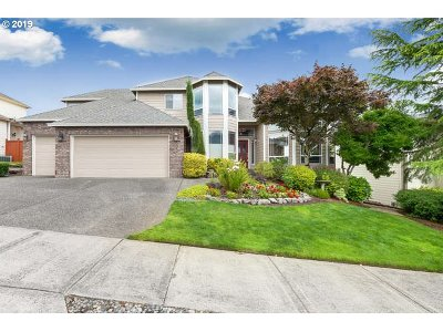 Portland Single Family Home For Sale: 7210 SE 156th Ave