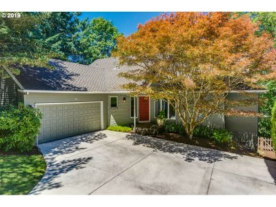 Lake Oswego Single Family Home For Sale: 21 Grouse Ter
