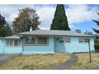 Single Family Home For Sale: 10725 NE Tillamook St