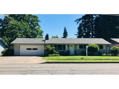 Springfield Single Family Home For Sale: 5941 Thurston Rd