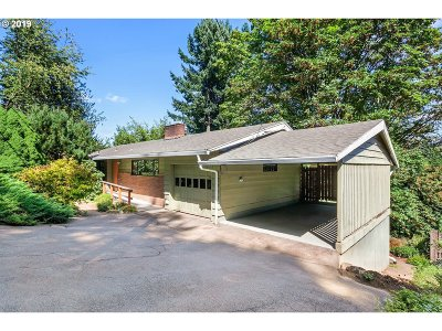 Portland Single Family Home For Sale: 9400 SW View Point Ter