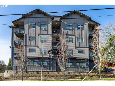 Beaverton Condo/Townhouse For Sale: 13865 SW Meridian St #225