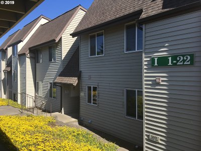 Gresham Condo/Townhouse For Sale: 200 SW Florence Ave #I13