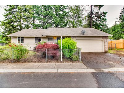 Portland Single Family Home For Sale: 14411 SE Center St