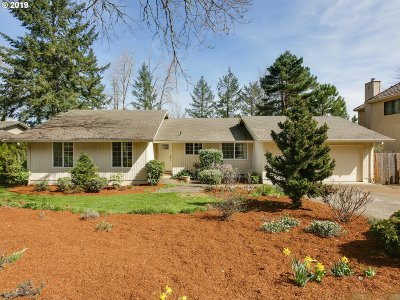 West Linn Single Family Home For Sale: 19486 Wilderness Dr