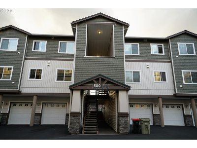 Portland Condo/Townhouse For Sale: 580 NW Lost Springs Ter #301