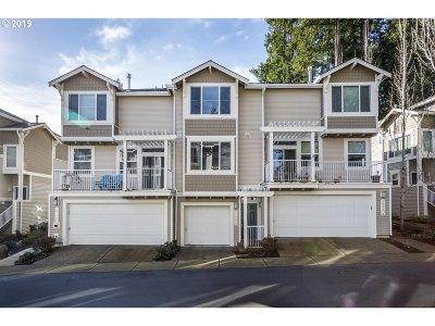 Tigard Condo/Townhouse For Sale: 14174 SW Barrows Rd #2