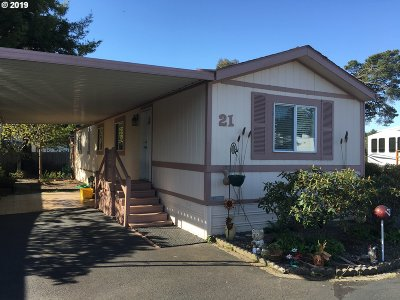 Florence Single Family Home Pending: 3760 Hwy 101 N #21
