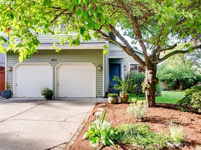 Portland Single Family Home For Sale: 3611 SW Vacuna St