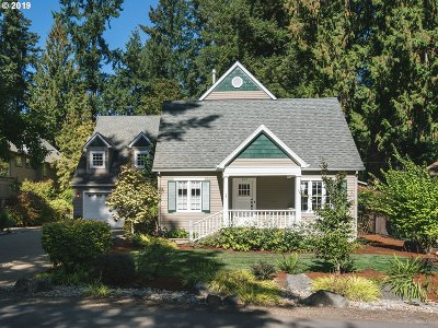 Lake Oswego Single Family Home For Sale: 3180 Douglas Cir