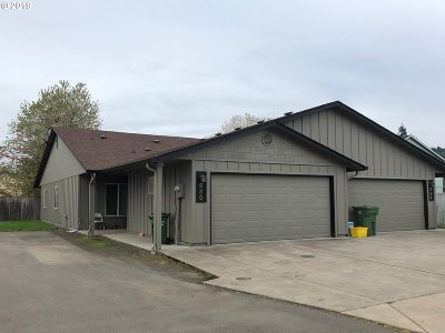 Cottage Grove, Creswell Multi Family Home For Sale: 824 N Douglas St