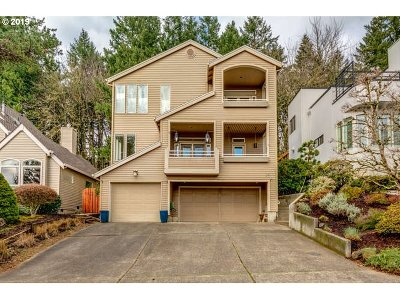 Lake Oswego Single Family Home For Sale: 29 Spinosa