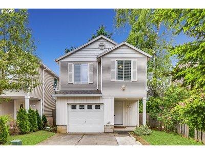 Portland Condo/Townhouse For Sale: 659 SE 148th Ave