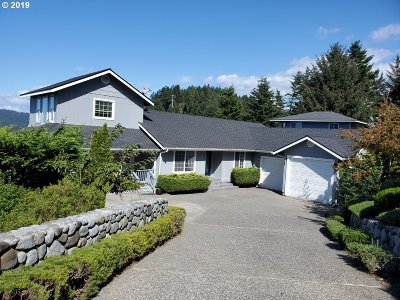 Gold Beach OR Single Family Home For Sale: $597,000