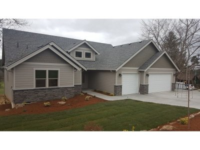 Washougal Single Family Home For Sale: Brown