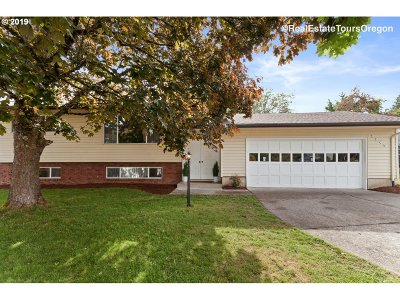 Gresham Single Family Home For Sale: 2245 NW 7th Pl