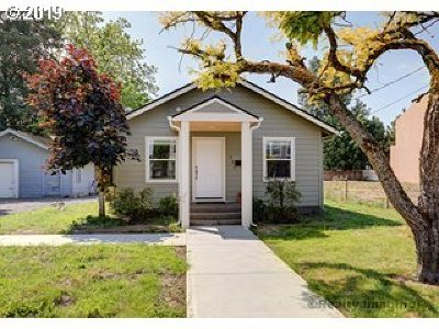 Gresham Single Family Home For Sale: 645 NE Roberts Ave