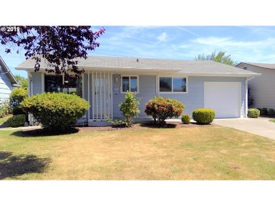 Woodburn Single Family Home For Sale: 1566 Umpqua Rd