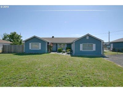 Medford Single Family Home For Sale: 1270 N Ross Ln