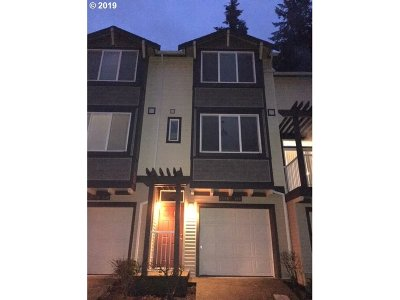 Beaverton Single Family Home For Sale: 13895 SW Barrows Rd #103