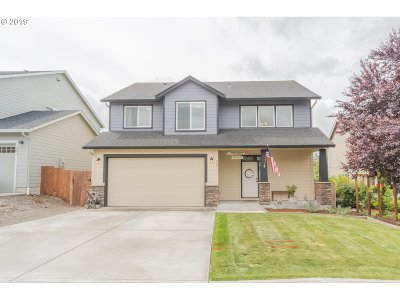 Cowlitz County Single Family Home For Sale: 207 Rocky Meadow Dr