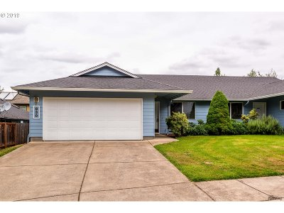 Cottage Grove, Creswell Single Family Home For Sale: 830 Benjamin Ave