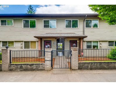 Portland Condo/Townhouse For Sale: 9333 N Lombard St #19