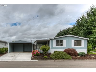 Keizer Single Family Home For Sale: 1055 Lockhaven Dr N #71