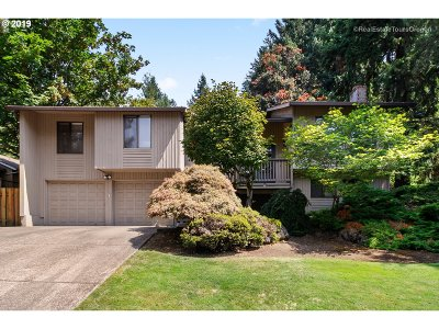 Happy Valley Single Family Home Pending: 10312 SE 99th Dr