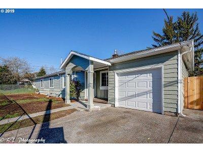 Single Family Home For Sale: 8105 SE Tibbetts St
