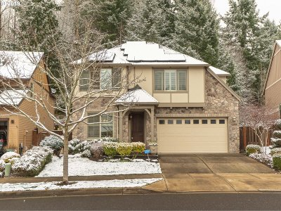 West Linn Single Family Home For Sale: 1068 Epperly Way
