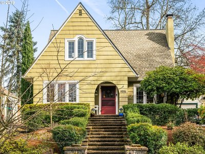 Portland Single Family Home For Sale: 8006 SE 30th Ave