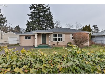 Portland Single Family Home For Sale: 1142 SE 174th Ave