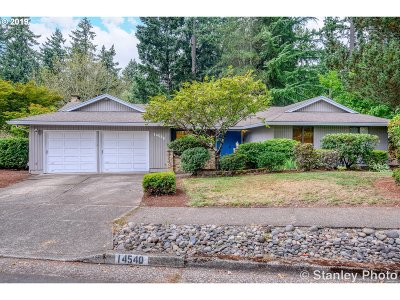 Beaverton Single Family Home For Sale: 14540 SW Forest Dr
