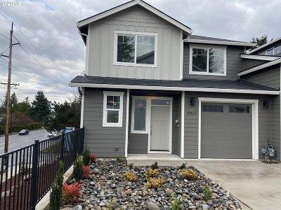 Multnomah County Single Family Home For Sale: 15643 NE Clackamas Ct