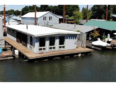 Portland Single Family Home For Sale: 1533 N Jantzen Ave #1533