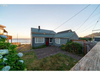 Lincoln City Single Family Home For Sale: 7145 NW Logan Rd