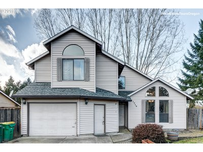 Forest Grove Single Family Home For Sale: 1716 Fir Ct