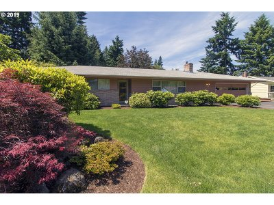 Tigard Single Family Home For Sale: 12325 SW 106th Dr