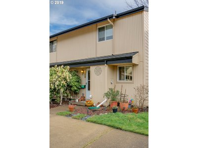 Eugene OR Condo/Townhouse For Sale: $170,000