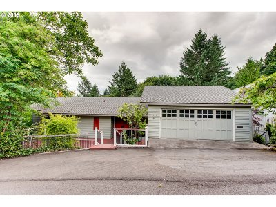 Portland Single Family Home For Sale: 3240 SW Sherwood Pl
