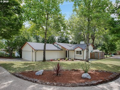 Beaverton Single Family Home For Sale: 12920 SW Barberry Dr