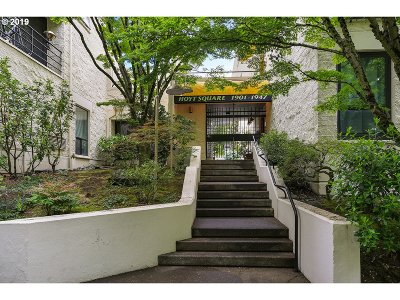 Portland Condo/Townhouse For Sale: 1943 NW Hoyt St