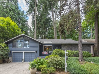 Lake Oswego Single Family Home For Sale: 1640 Maple St