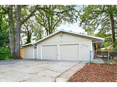 Milwaukie Single Family Home For Sale: 6367 SE Jennings Ave
