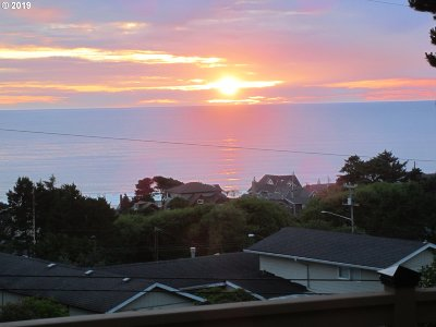 Lincoln City Single Family Home For Sale: 3572 SE Dune Ave