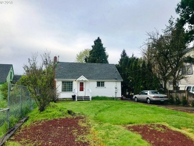 Springfield Single Family Home For Sale: 330 T St