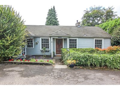Portland Single Family Home For Sale: 1734 SW Canby St