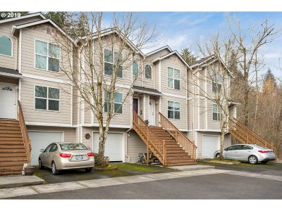 Troutdale Condo/Townhouse For Sale: 766 E Hist Columbia River Hwy