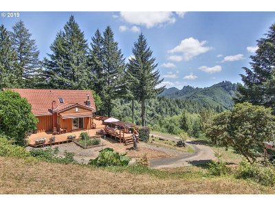 Coos Bay Single Family Home For Sale: 67156 Marlow Crk Rd